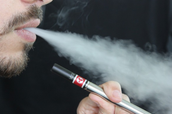 e-cigarette-1301670_1920