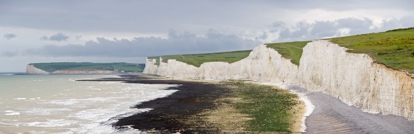 Seven_Sisters_Panorama,_East_Sussex,_England_-_May_2009.jpg